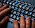 atak w sieci bezpieczeństwo bezpieczny przelew ochrona komputera programy antywirusowe